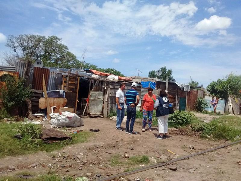 Respuesta a emergencia social de familias en 'basural' del conurbano